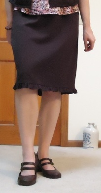brown skirt cropped
